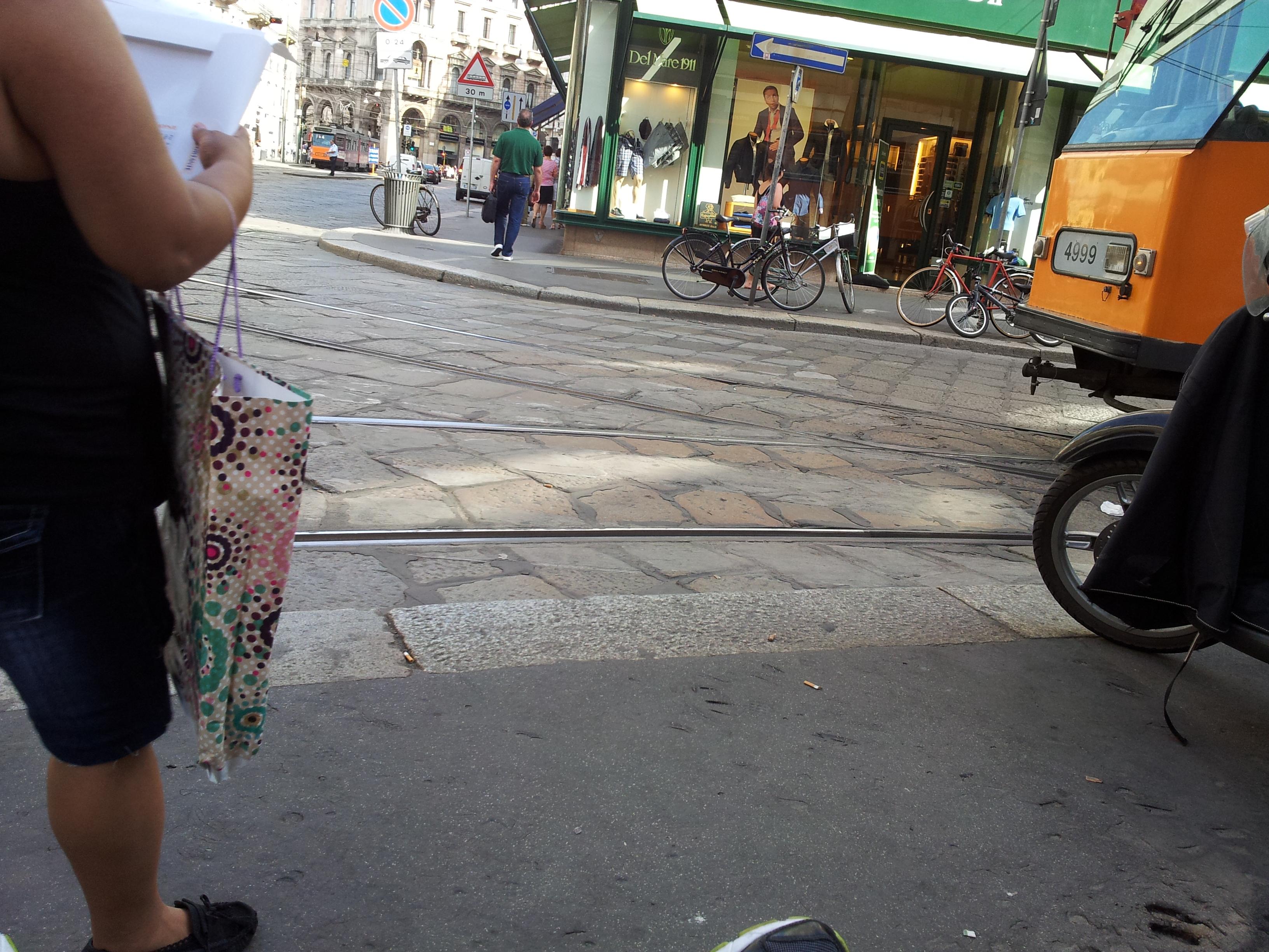 I marciapiedi: si può arrivare in Duomo?