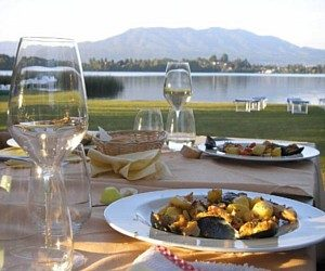 """Lago di Monate, spiaggia con sabbia dura e toilette accessibile presso il ristorante """"il Coppale"""""""