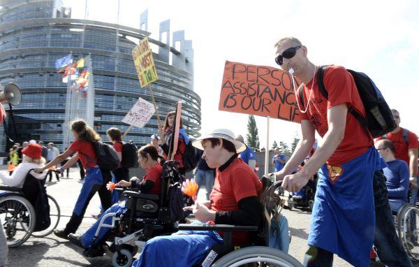 Per i disabili c'è poco da festeggiare