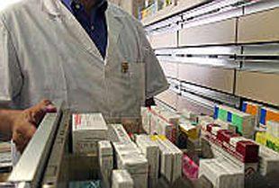 Salerno: consegna domiciliare gratuita dei farmaci per anziani e disabili, domani si firma l'intesa