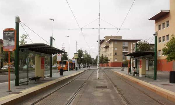 Fermata del tram: una fermata a norma? Non credo proprio