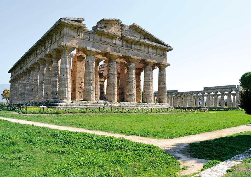 Parco Archeologico di Paestum: Tempio greco completamente accessibile